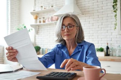 faktury online - kobieta przedsiębiorca
